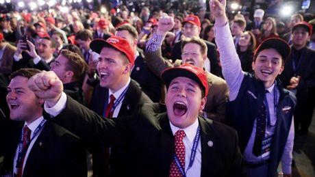 Chien thang cua Trump va con hoang loan cua nguoi My - Anh 2