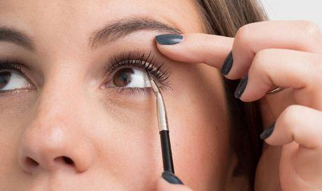 10 meo giup cac nang ke eyeliner de 'nhu an keo' - Anh 5