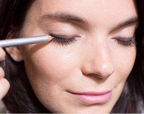 10 meo giup cac nang ke eyeliner de 'nhu an keo' - Anh 8