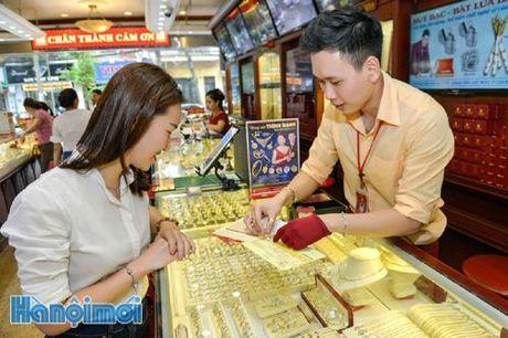 TIN NONG ngay 10/11: Van hanh phuong thuc dan duong bay moi o Tan Son Nhat - Anh 1