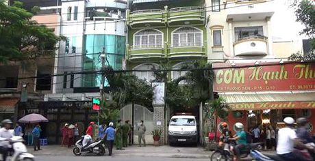 Phat hien nguoi dan ong chet bat thuong trong khach san - Anh 1