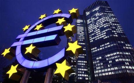 EC nang du bao tang truong kinh te nam 2016 cua Eurozone - Anh 1
