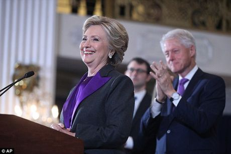 """Ba Clinton: """"Donald Trump se la tong thong cua chung ta"""" - Anh 2"""