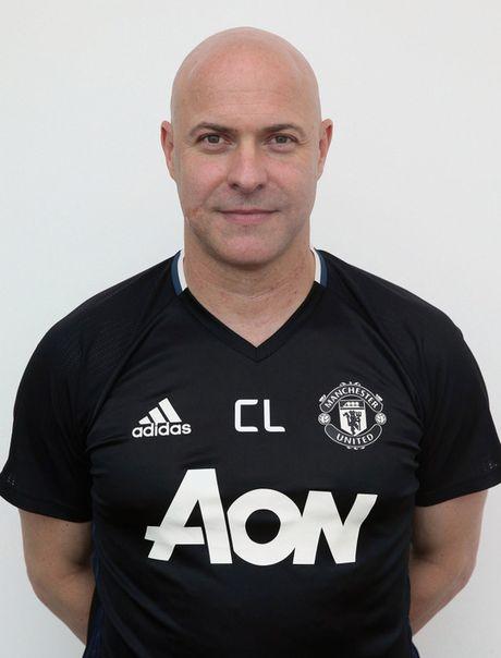 Mourinho dieu tra bo phan y te M.U - Anh 2