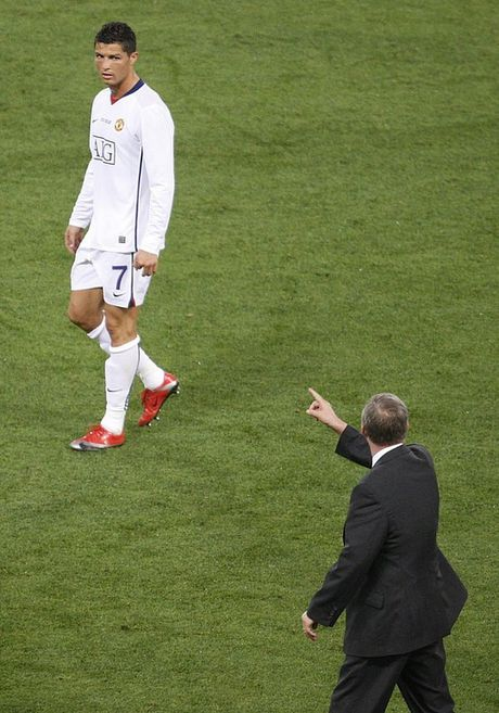 """Ferguson chi xai """"may say toc"""" 6 lan trong 27 nam o M.U - Anh 1"""
