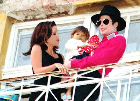 Nhung khoanh khac dang nho trong doi Michael Jackson - Anh 14