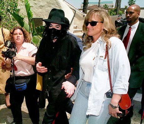 Nhung khoanh khac dang nho trong doi Michael Jackson - Anh 16