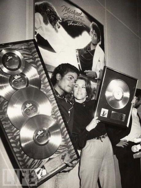 Nhung khoanh khac dang nho trong doi Michael Jackson - Anh 6