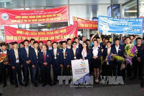 Le tong ket doan Viet Nam tham du ky thi tay nghe ASEAN - Anh 1