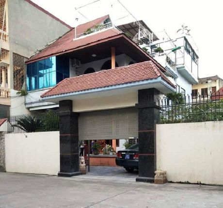 Thu hoi bien xanh xe Bi thu TP Thanh Hoa 'muon' cua doanh nghiep - Anh 1