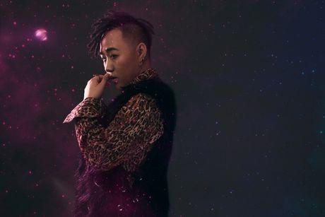 Trung Quan Idol ru bo hinh tuong ngoan hien de lam moi ban than - Anh 2