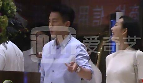 "Lo video to ngoai tinh, Luu Khai Uy len tieng: ""Toi xin rut kinh nghiem"" - Anh 7"