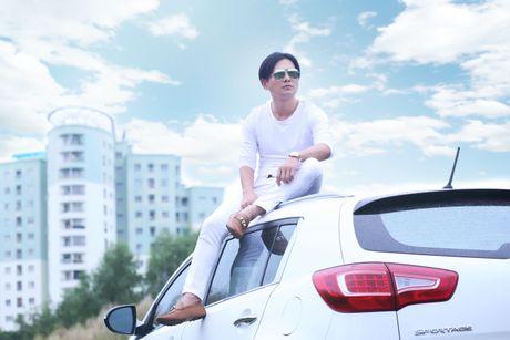 "Lam Hung ""ngan ngo"" khi album vua phat hanh da ban sach - Anh 1"