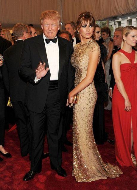 Vo chong Donald Trump dien do an y khi sanh doi - Anh 5