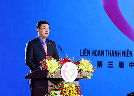 Thanh nien vun boi tinh huu nghi Viet – Trung - Anh 3