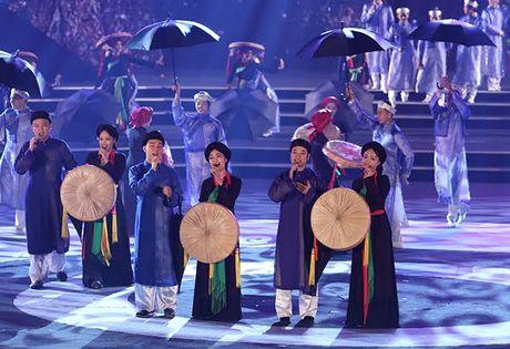 Thanh nien vun boi tinh huu nghi Viet – Trung - Anh 7