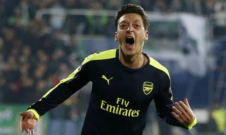 Ozil bi che khong du trinh do da cho Chelsea - Anh 1
