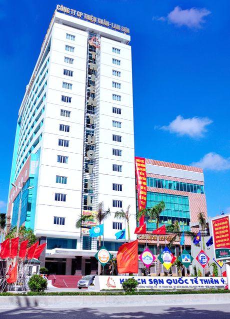 Thanh Hoa: Chi tien tram trieu thue khach san 4 sao lam tru so - Anh 1