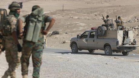 IS phan don kich liet, quan doi Iraq ngung chien dich giai phong Mosul - Anh 1