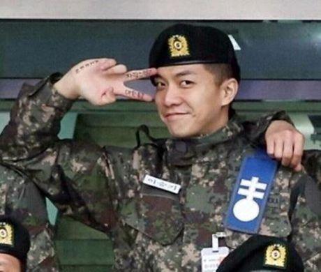 Khong phai Yoona, day moi la co gai 'ban trai quoc dan' Lee Seung Gi nhin ngam moi ngay - Anh 3