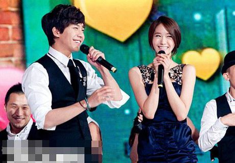 Khong phai Yoona, day moi la co gai 'ban trai quoc dan' Lee Seung Gi nhin ngam moi ngay - Anh 5