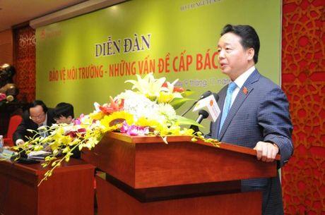 Bo truong Tran Hong Ha: 'O nhiem nghiem trong gay buc xuc trong xa hoi' - Anh 1
