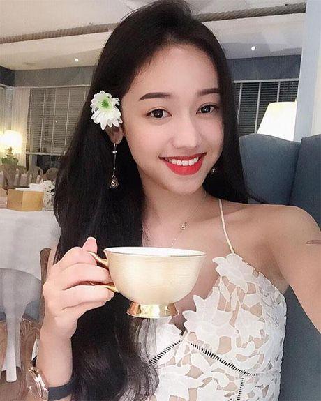 Lan dau tien 'co nang thi phi' Thuy Vi lam dieu nay sau 18 nam - Anh 4