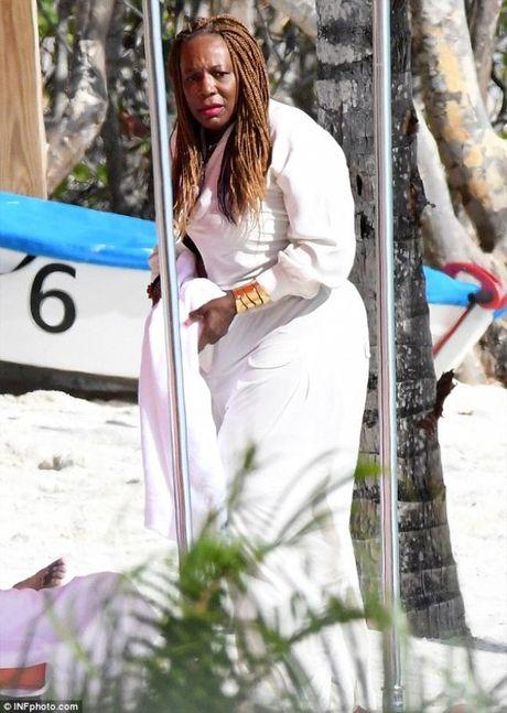 Sao quan vot Serena Williams khoe vong 3 ngon ngon voi bikini - Anh 12