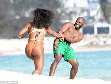 Sao quan vot Serena Williams khoe vong 3 ngon ngon voi bikini - Anh 5
