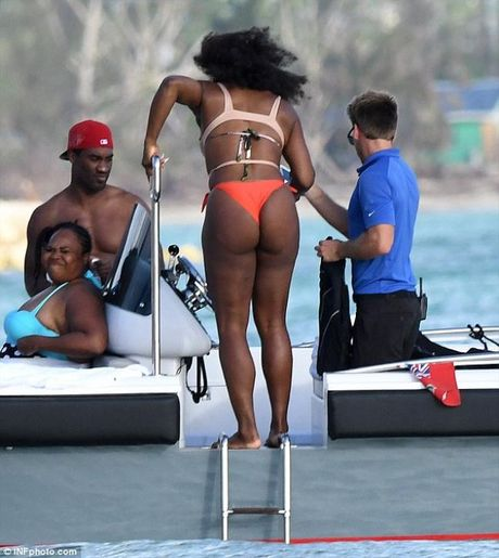 Sao quan vot Serena Williams khoe vong 3 ngon ngon voi bikini - Anh 8