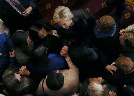 Lam duoc dieu nay, Hillary Clinton chung minh nguoi My co the sai lam khi khong lua chon ba! - Anh 3