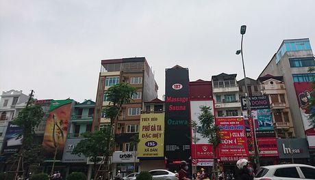Ha Noi: Ton tai hang loat bien quang cao karaoke 'khung' de chay no tham khoc - Anh 10