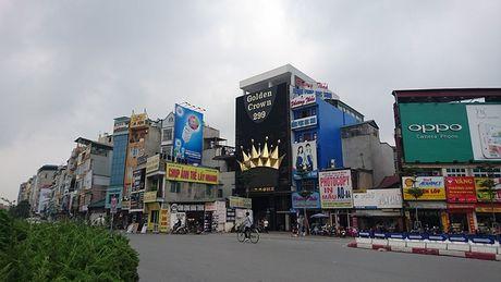 Ha Noi: Ton tai hang loat bien quang cao karaoke 'khung' de chay no tham khoc - Anh 11