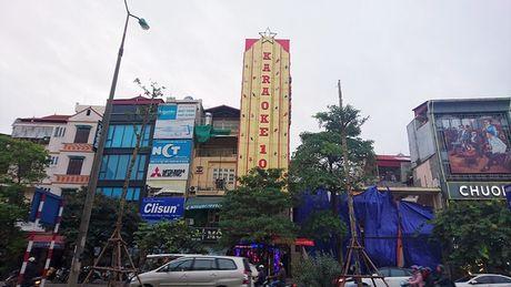 Ha Noi: Ton tai hang loat bien quang cao karaoke 'khung' de chay no tham khoc - Anh 7