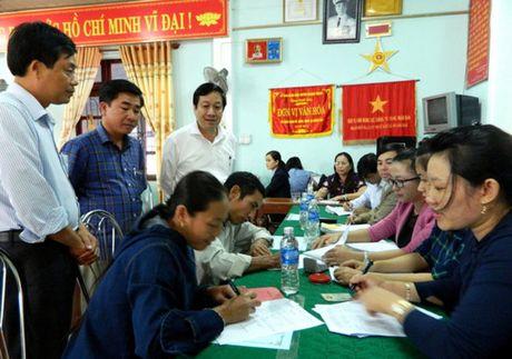 Nguoi dan Quang Binh nhan tien boi thuong cua Formosa - Anh 1