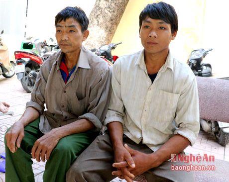 Chau be Kho mu mo coi, tat nguyen can su giup do cua cong dong - Anh 3