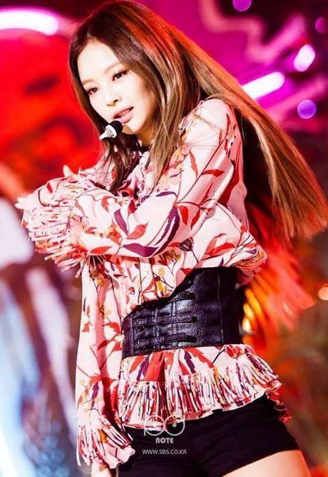 Single thu 2 cua Black Pink tiep tuc 'vuot khoi' Han Quoc, tan cong BXH Billboard - Anh 5