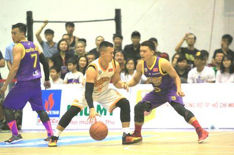 Thang kich tinh HCMC Wings, Danang Dragons den gan ngoi vo dich VBA - Anh 1