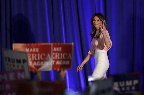 Nhung khoanh khac xinh dep cua Melania Trump trong chien dich tranh cu - Anh 4