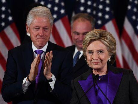 Hillary Clinton dien van xuc dong, chap nhan that bai - Anh 1