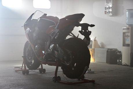 Honda trinh lang sieu moto CBR1000RR 2017 ban tieu chuan - Anh 3