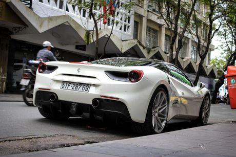 Ferrari 488 GTB cua Cuong Do La len doi mam Vossen - Anh 6