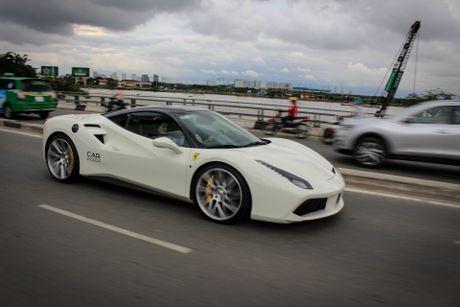 Ferrari 488 GTB cua Cuong Do La len doi mam Vossen - Anh 7