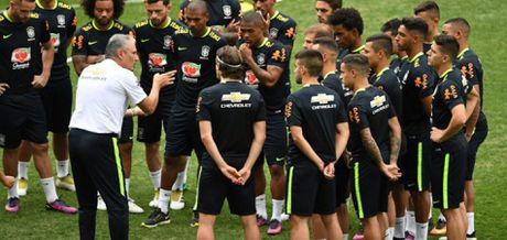 Chan Messi, Brazil dung ca mot dao quan - Anh 3