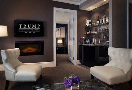 Man nhan noi that xa xi ben trong khach san Donald Trump - Anh 31