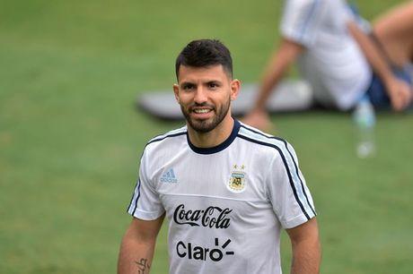 Aguero va Rojo bi gat khoi dai chien Brazil vs Argentina - Anh 1