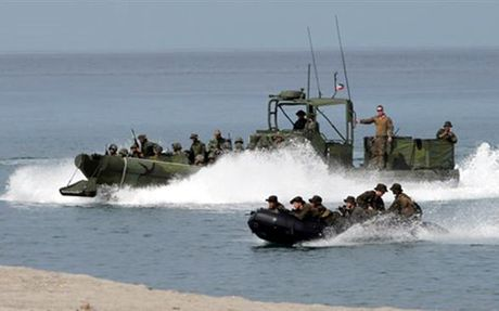 Philippines se tiep tuc to chuc tap tran voi My - Anh 1