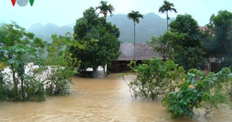 Quang Binh: Nhieu tuyen giao thong con ngap lut - Anh 1