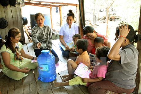 UNICEF: 1,4 trieu tre em tu vong vi viem phoi va tieu chay moi nam - Anh 1