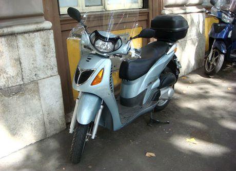 Honda SH - Giac mo xe may cua nguoi Viet - Anh 1